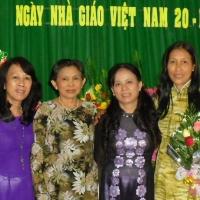 Hòa, Nguyễn Thị Chín, Kim Chung và Lâm Tú Hiền.