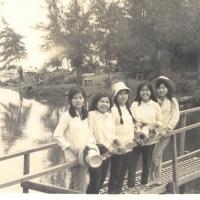 Huyền - Thuỳ - Lan- Nữ - Tuyết Trinh