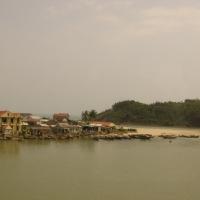 Bên sông, đường đi Đà Nẵng