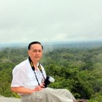 Trên Đỉnh Tikal Piramid IV, Flores, Guatemala, March 2012