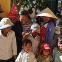 Những nụ cười trẻ thơ - Vân Canh Bình Định