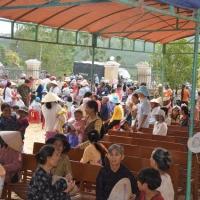 Nạn nhân bão lụt và bệnh nhân - Vân Canh Bình Định