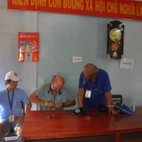 Dr Coutin & Dr David prepared tools for the first medical care day in An Thai, November 9, 2009