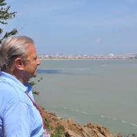 Dr David mơ màng với biển Quy Nhơn