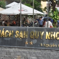 Đoàn Thiện Nguyện ngụ tại khách sạn Quy Nhơn từ 7 tháng 11 đến 14 tháng 11 , 2009