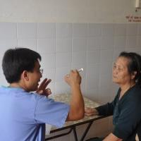 Dr Tạ Việt và bệnh nhân- Tuy Phước Bình Định
