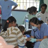 Dr Lưu Ly và bệnh nhân tí hon - Vân Canh Bình Định