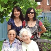 Cô Nga và ba mẹ con - Tháng 6.2012