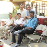 Hình họp mặt ở nhà Kim Huệ