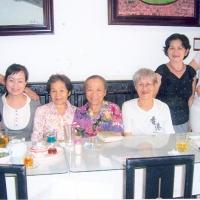 Cô Vương Thúy Nga