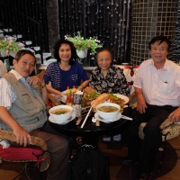 Cô Thúy Nga và Thầy Cô Vương Quốc Tấn SG 2015
